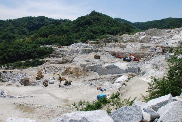 茨城県産 稲田石 採掘場