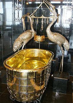 ホテル三日月 鴨川 展望大浴場 黄金風呂