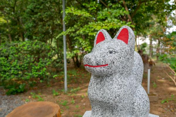 稲荷神社 お狐様モニュメント