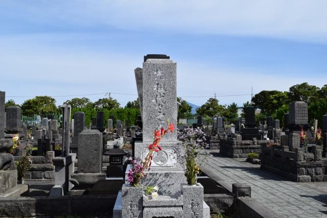 お墓の中で骨壺がいっぱいになったら